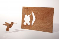 """Zedernholz Postkarte """"Kolibri"""""""